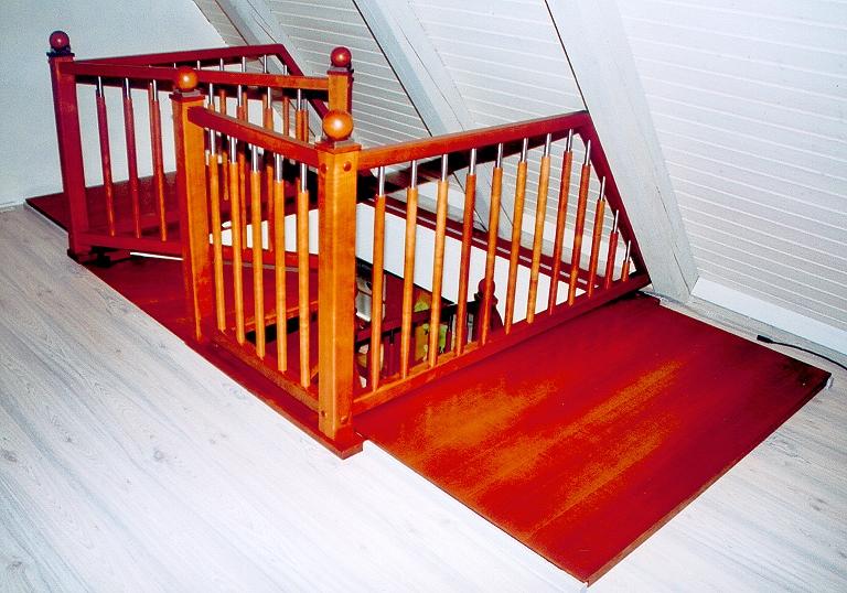 Treppengeländer Holz Gedrechselt ~ Spindeltreppe, Stäbe und Säulen gedrechselt, Holzart Buche