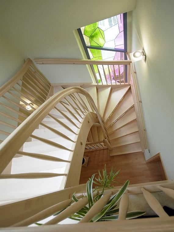 holztreppen galerie viertelgewendelte treppe halbgewendelte treppe mit und ohne setzstufen. Black Bedroom Furniture Sets. Home Design Ideas